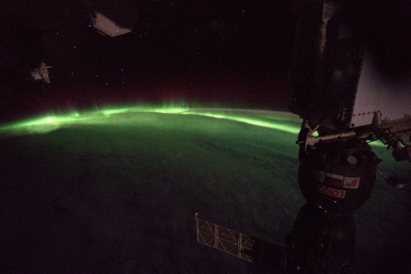 Hard to imagine the physics behind #aurora: particles bombarding our atmosphere light up in a spectacle like no other! (Photo & Caption: Thomas Pesquet // NASA)