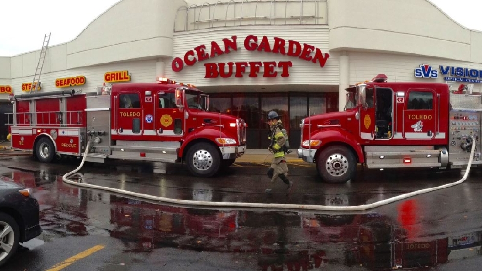 Crews Respond To Fire In West Toledo Shopping Plaza Wnwo