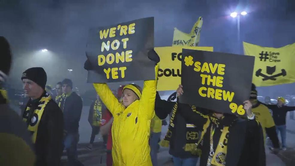 Steve - save the crew signs.jpg