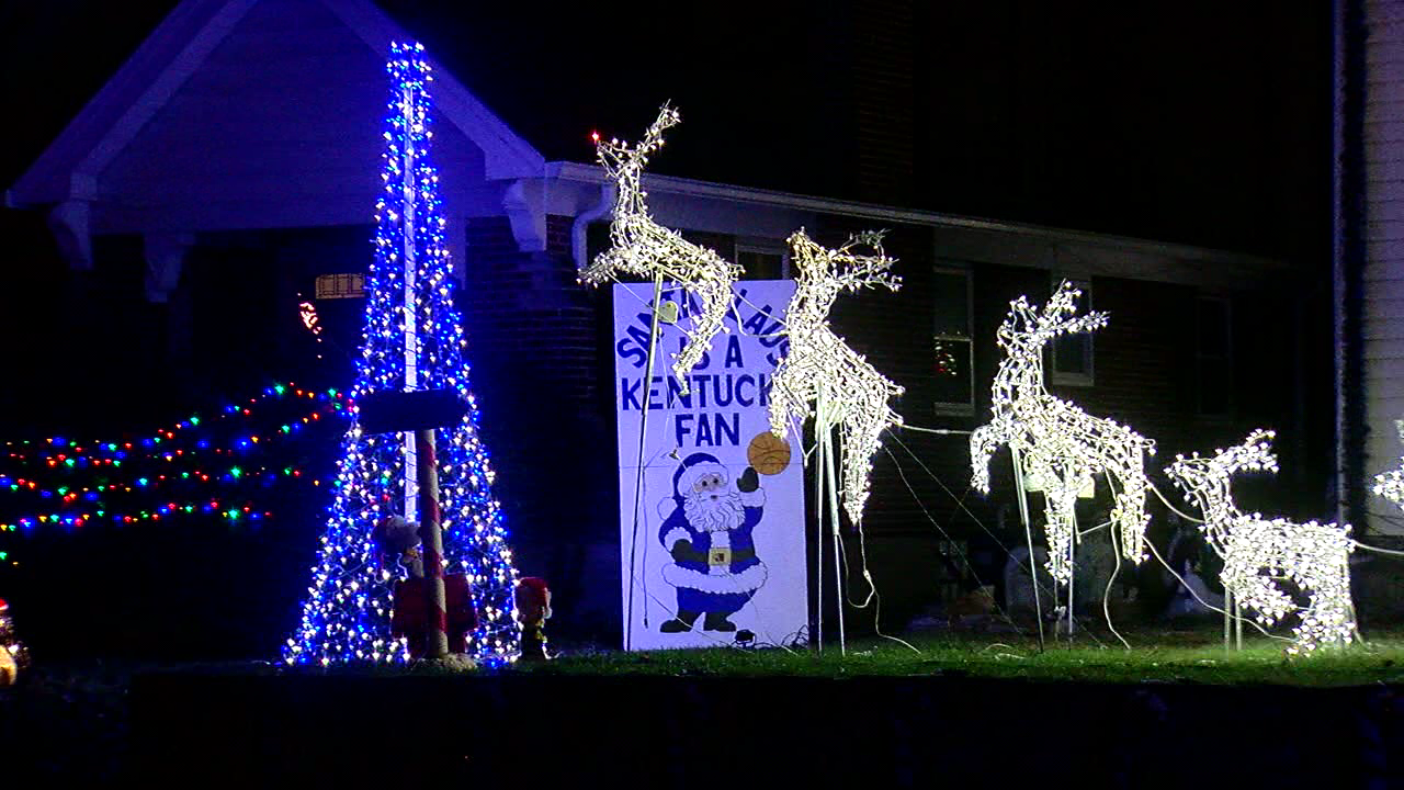 Man builds list of best holiday light displays in the Tri-State (WKRC)