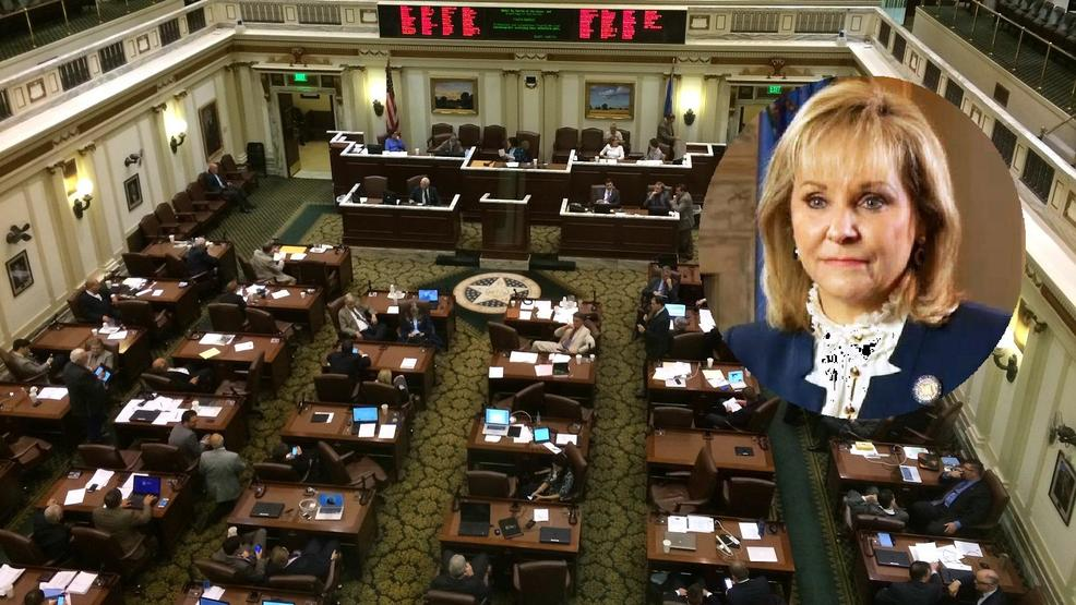 Governor Fallin praises lawmakers for work this session