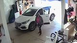 VIDEO: Woman pulls into open garage, loads up her car and drives away