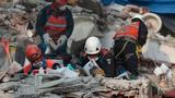 Mexico raises earthquake death toll to 293, relatives keep vigil amid search for survivors