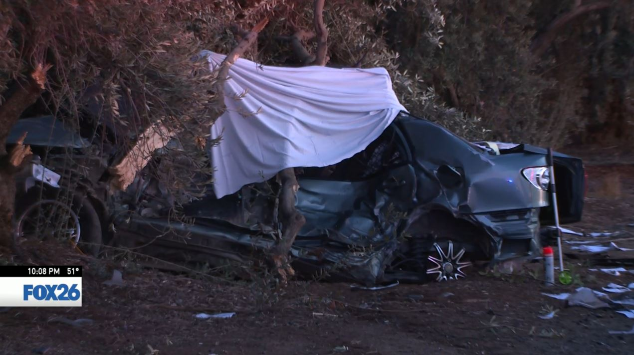 Crash in Orange Cove kills one, injures two others (FOX26)