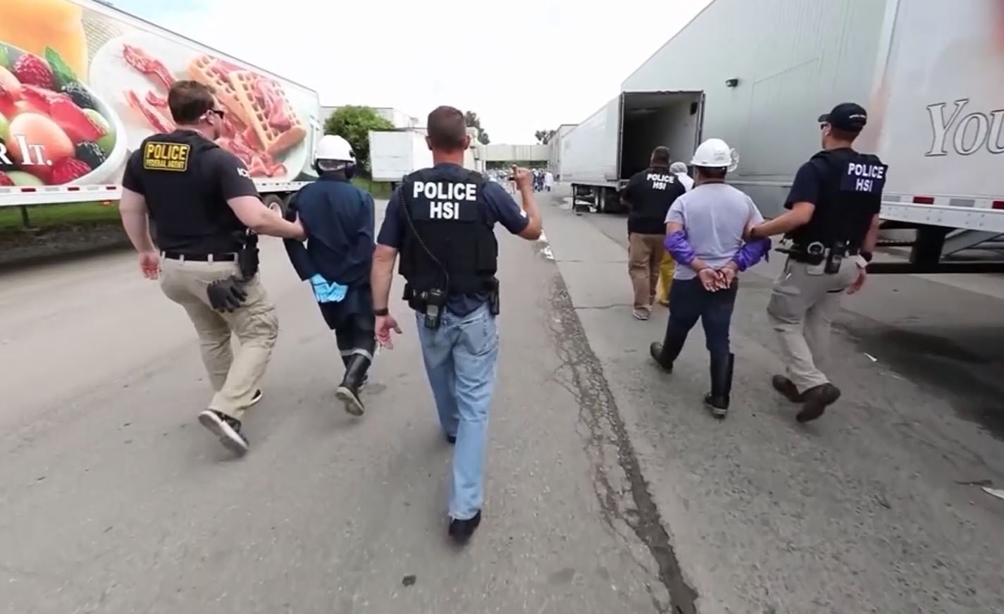 More than 100 workers were arrested in northeast Ohio Tuesday during an ICE raid at a meat supplier in northeast Ohio. (CNN)<p></p>