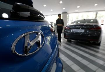 Hyundai Motor's profit halved to lowest level since 2010