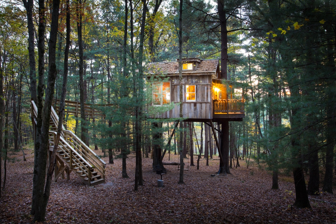 "The ""Old Pine"" treehouse / Image courtesy of The Mohicans // Published 12.27.16"