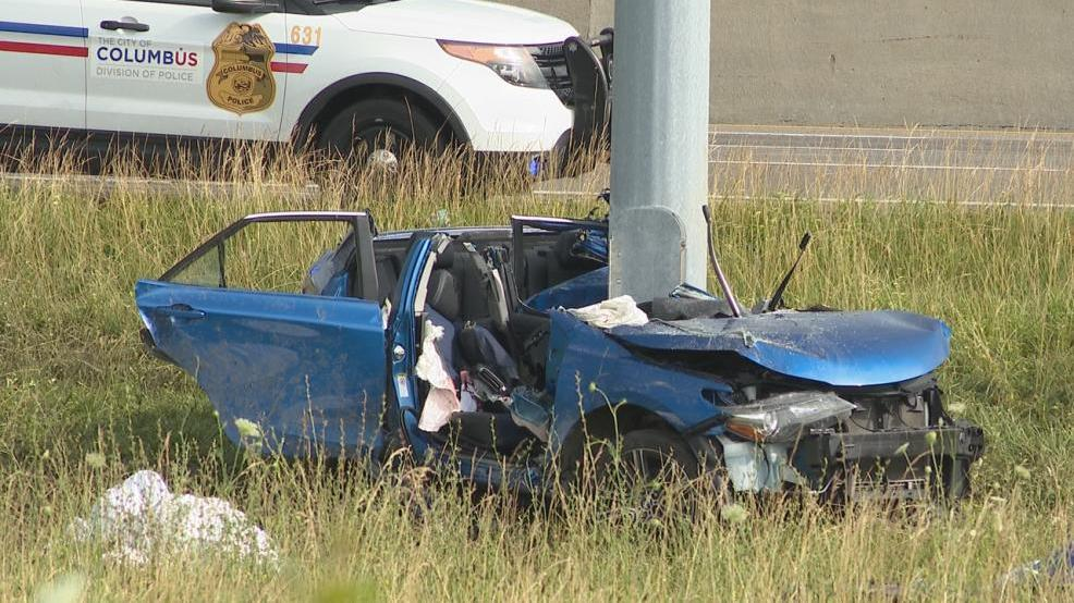 Police investigating crash that left two dead in northwest