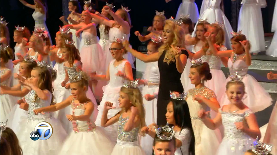 Miss America Savvy Shields on stage at the Miss Arkansas pageant with the Diamond Princesses (Photo: KATV)