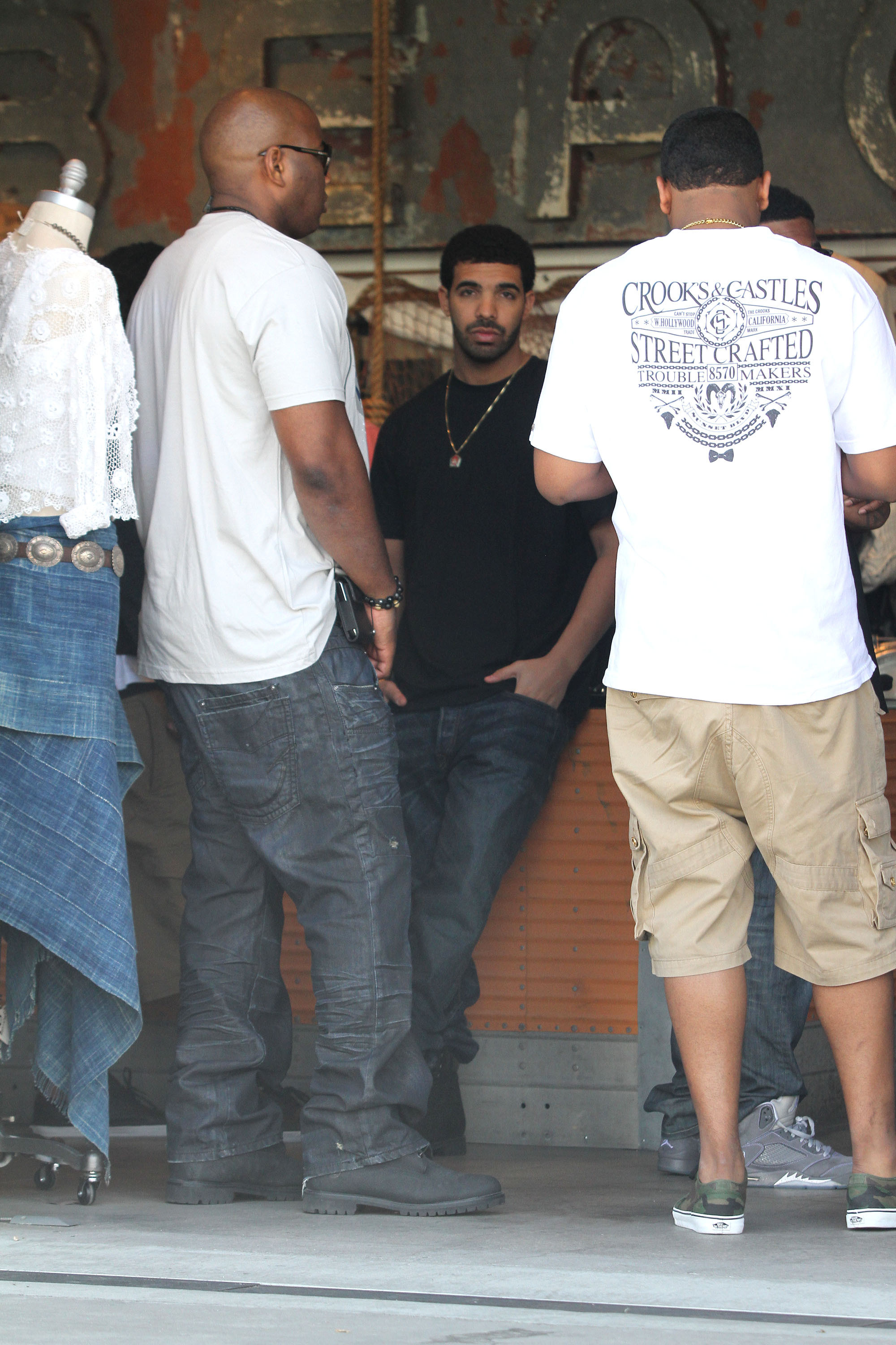 Rapper Drake is seen shopping with friends in Beverly Hills                  Los Angeles, California - 03.06.11                                    Where: United States                  When: 03 Jun 2011                  Credit: WENN