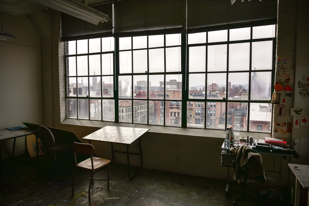 Student studios occupy the top two floors of the college and are open to students 24/7. The studios have sprawling views of the neighborhood. / Image: Phil Armstrong, Cincinnati Refined // Published: 2.16.17