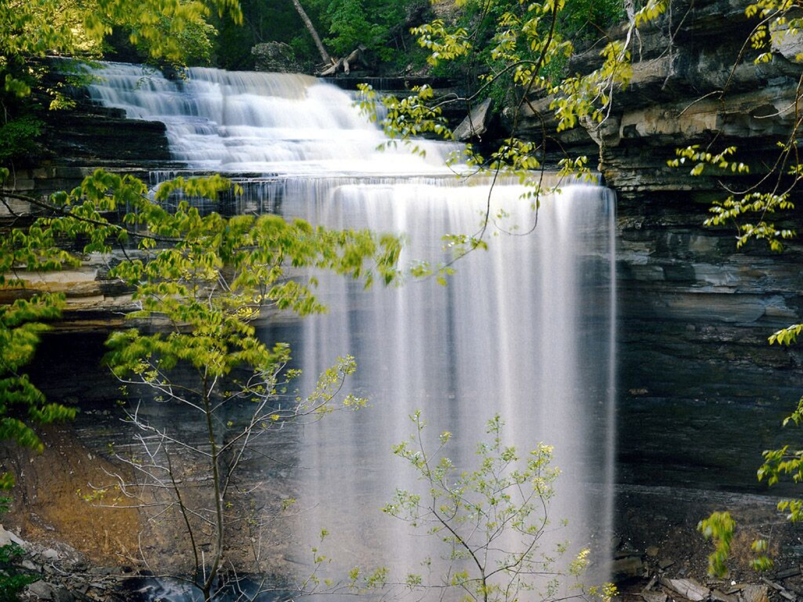 Located about 90 miles southwest of Cincinnati near Madison, Indiana, Clifty Falls State Park features one of the Hoosier state's most difficult hiking trails, running along the Clifty Creek ravine and sporting incredible views of the park's two waterfalls. The park also features campgrounds, a restaurant, a pool, tennis courts, picnic areas, and an inn. / Image courtesy of Flickr user Bernie Kasper // Published: 3.10.18