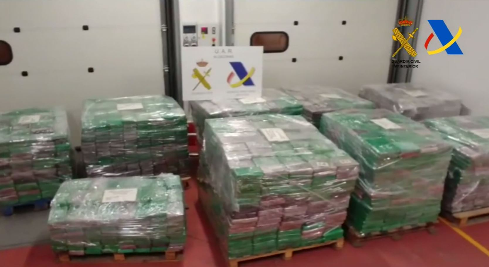 Spain seizes cocaine with street value of $250 million (CIVIL GUARD/CNN Newsource)