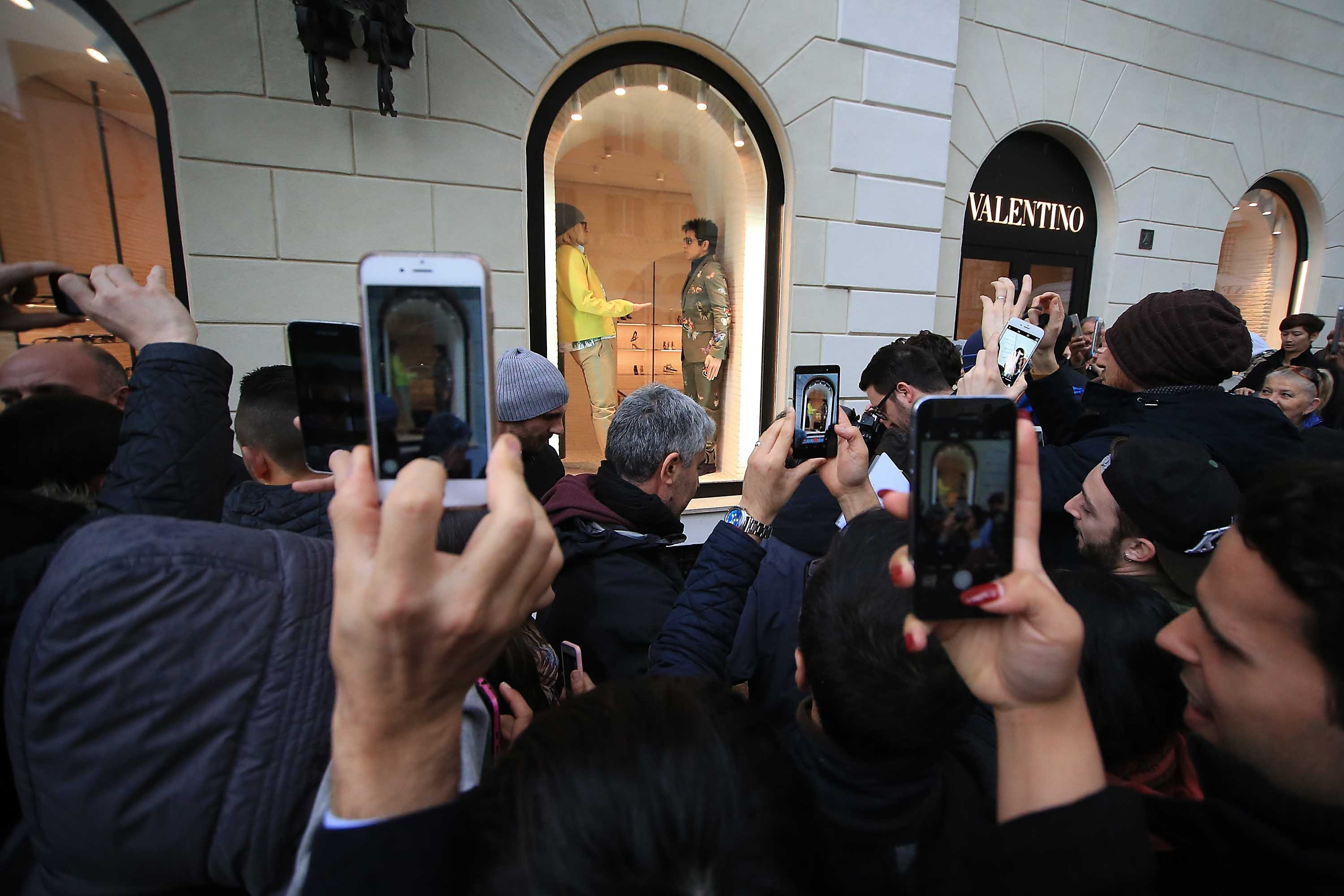 Ben Stiller and Owen Wilson, in the role of Derek Zoolander and Hansel, surprise shoppers by posing in the windows of Valentino in Rome Credit: IPA/WENN.com