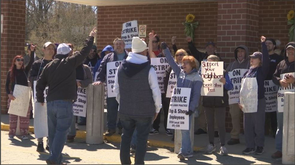 Stop N Shop Hours >> Holiday Weekend And Stop And Shop Strike Create Boomy Business Wjar