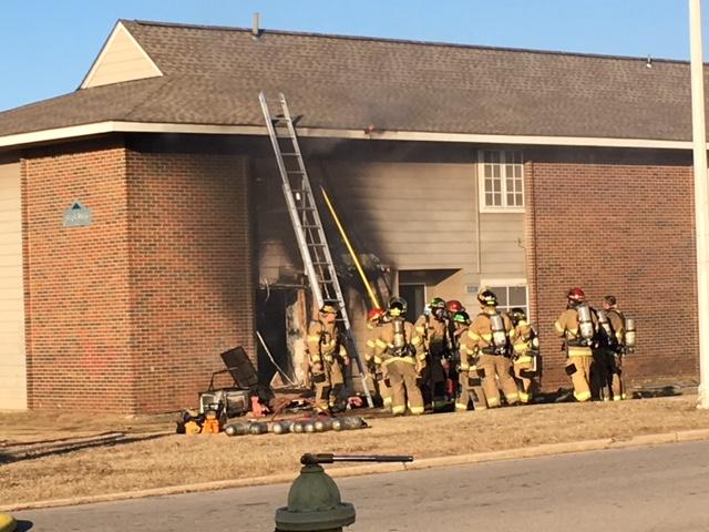 1 person injured in apartment fire near 61st Street and Highway 75 (KTUL)