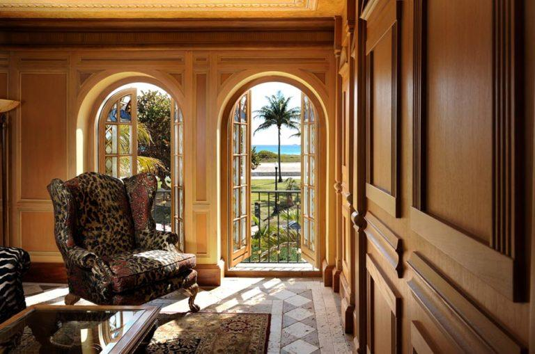 The Signature Suite. (The Villa Casa Casuarina Hotel)