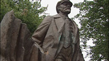 Murray calls for removal of Lenin statue, Confederate memorial