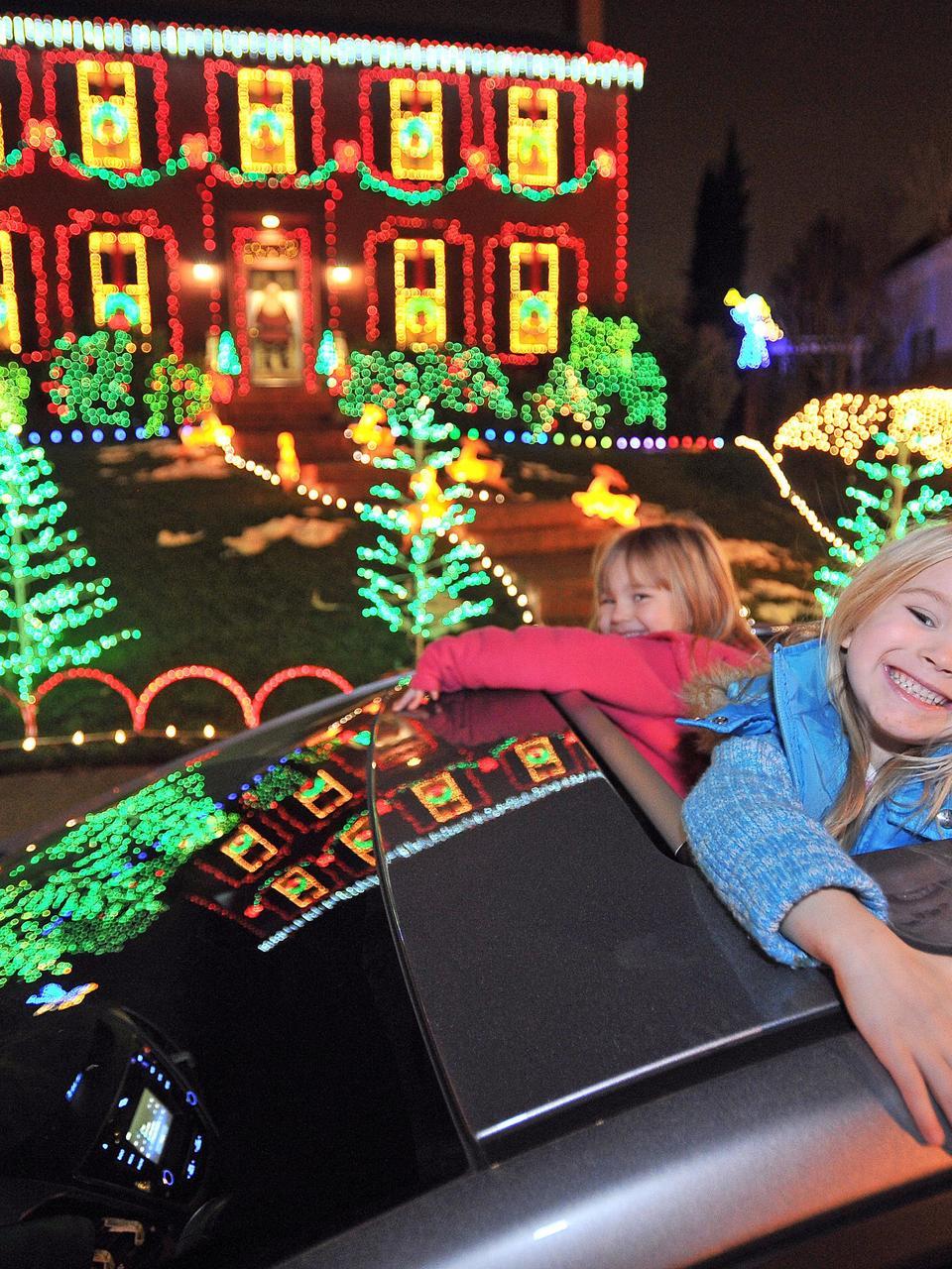 Holiday lights worth seeing | Mail Tribune