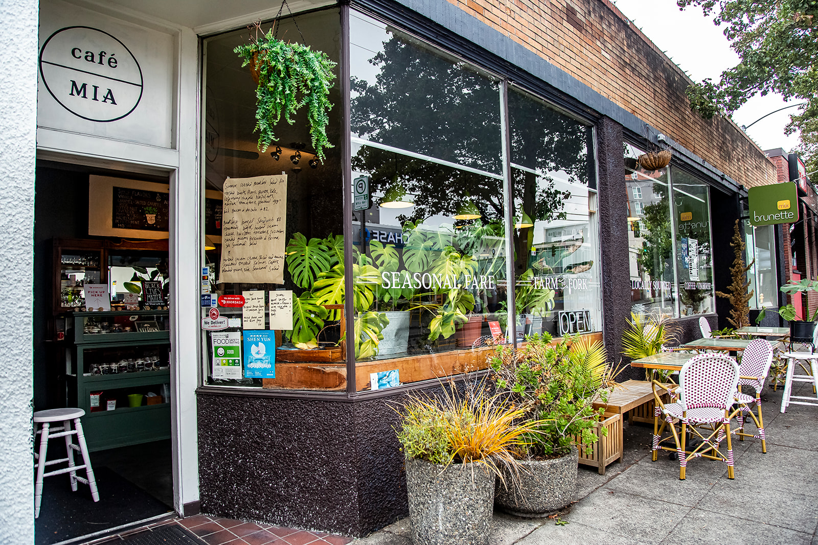 "Cafe Mia features seasonal, locally-sourced and ethical cuisine - every dish is prepared in house by Mia herself. Cafe Mia is tucked away near the West Seattle Junction on SW Oregon Street. The perfect spot for brunch after hitting the farmers market on Sunday! Find them on Instagram{&nbsp;}<a  href=""https://www.instagram.com/cafe.mia/?hl=en"" target=""_blank"" title=""https://www.instagram.com/cafe.mia/?hl=en"">@cafe.mia</a>. (Image:{&nbsp;}Samantha Witt / Seattle Refined)"