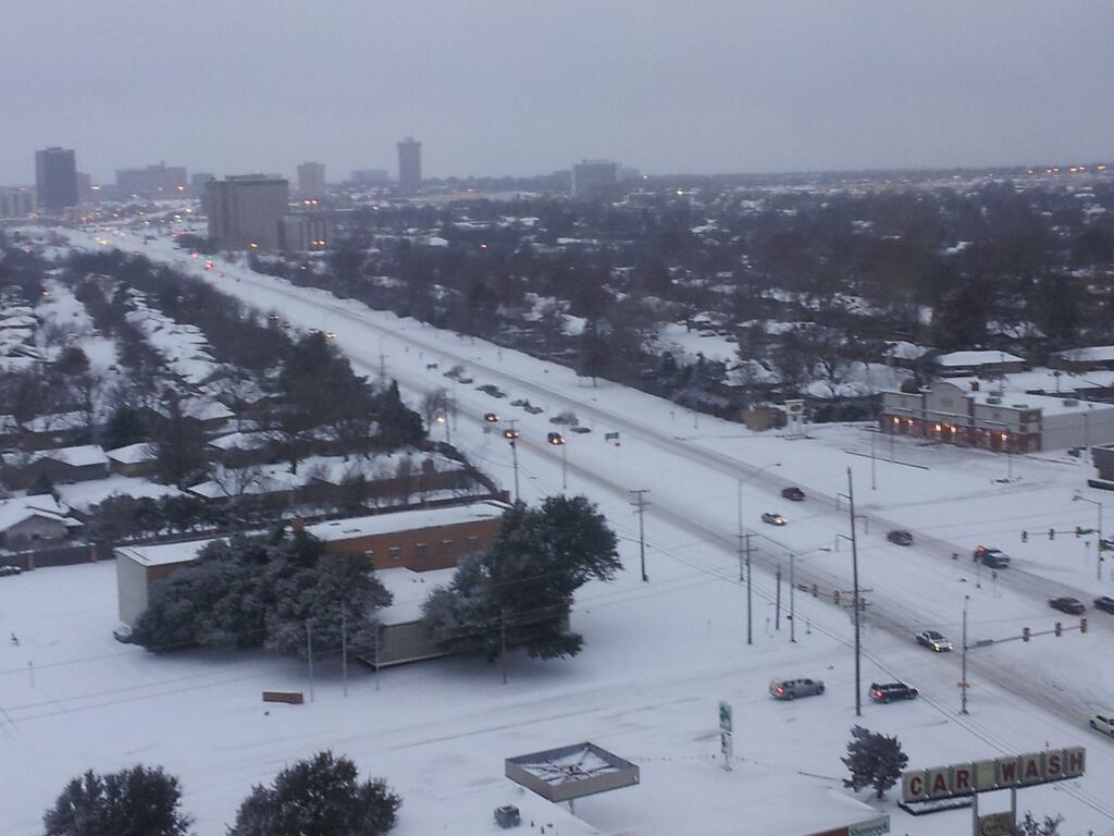 NW Expressway westbound between Penn and May