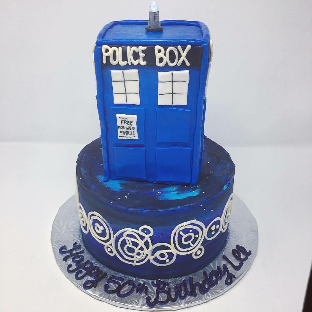 Doctor Who Tardis cake / Image courtesy of Oliver's Desserts // Published: 3.17.18