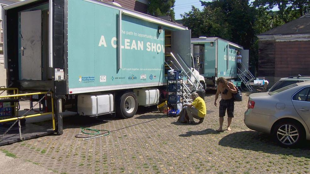Oregon Harbor of Hope provides mobile showers and laundry for homeless