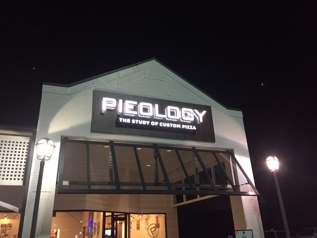 Dinner on Dave at Pieology (Dave Williams/WCIV)
