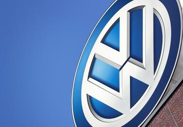 Volkswagen sets new full-year sales record in race for No 1