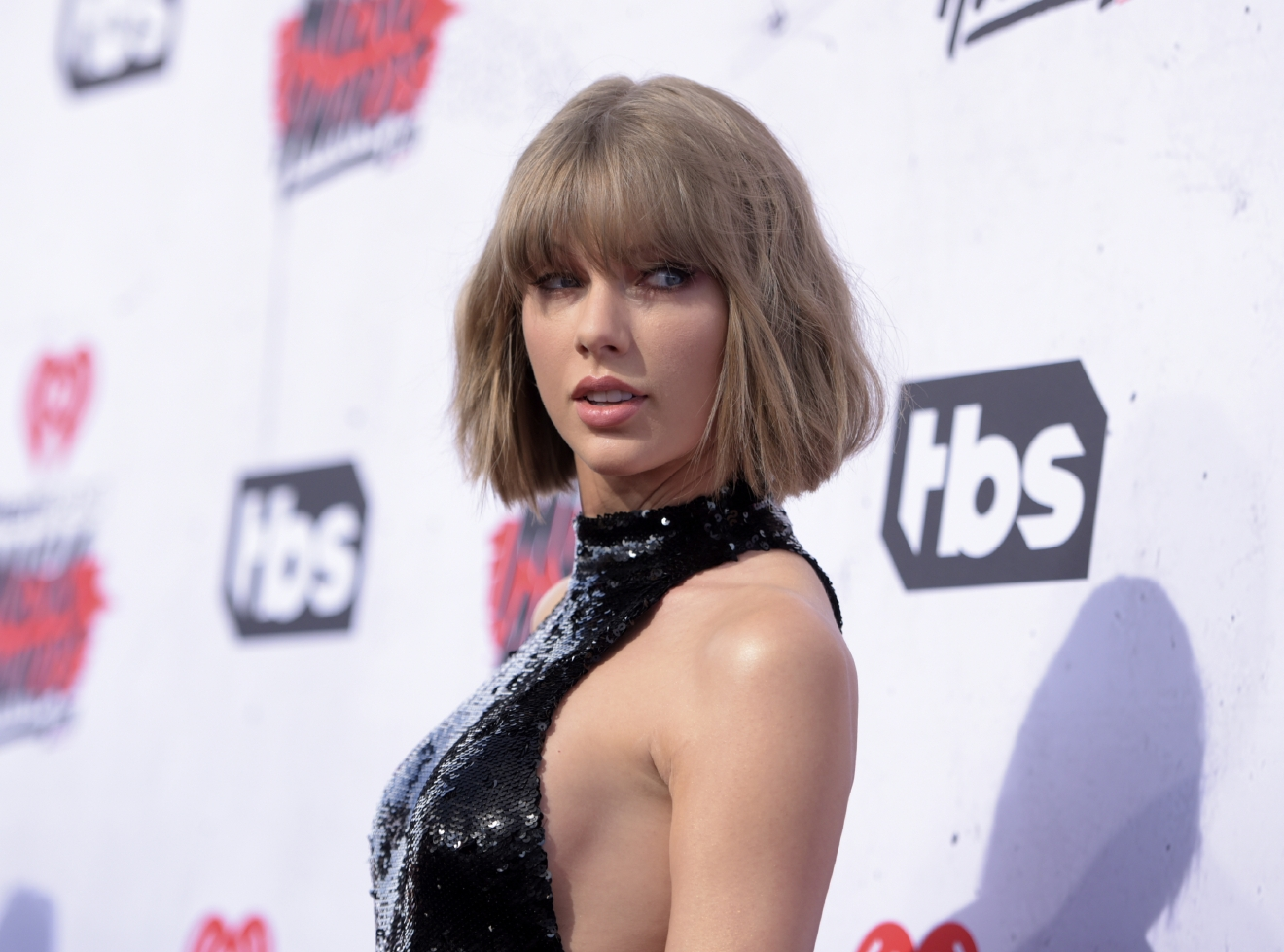 "FILE - In this April 3, 2016 file photo, Taylor Swift arrives at the iHeartRadio Music Awards at The Forum in Inglewood, Calif. Swift has teamed with former One Direction singer Zayn Malik for the surprise duet, ""I Don't Wanna Live Forever"" released on Friday, Dec. 9, 2016. (Photo by Richard Shotwell/Invision/AP, File)"