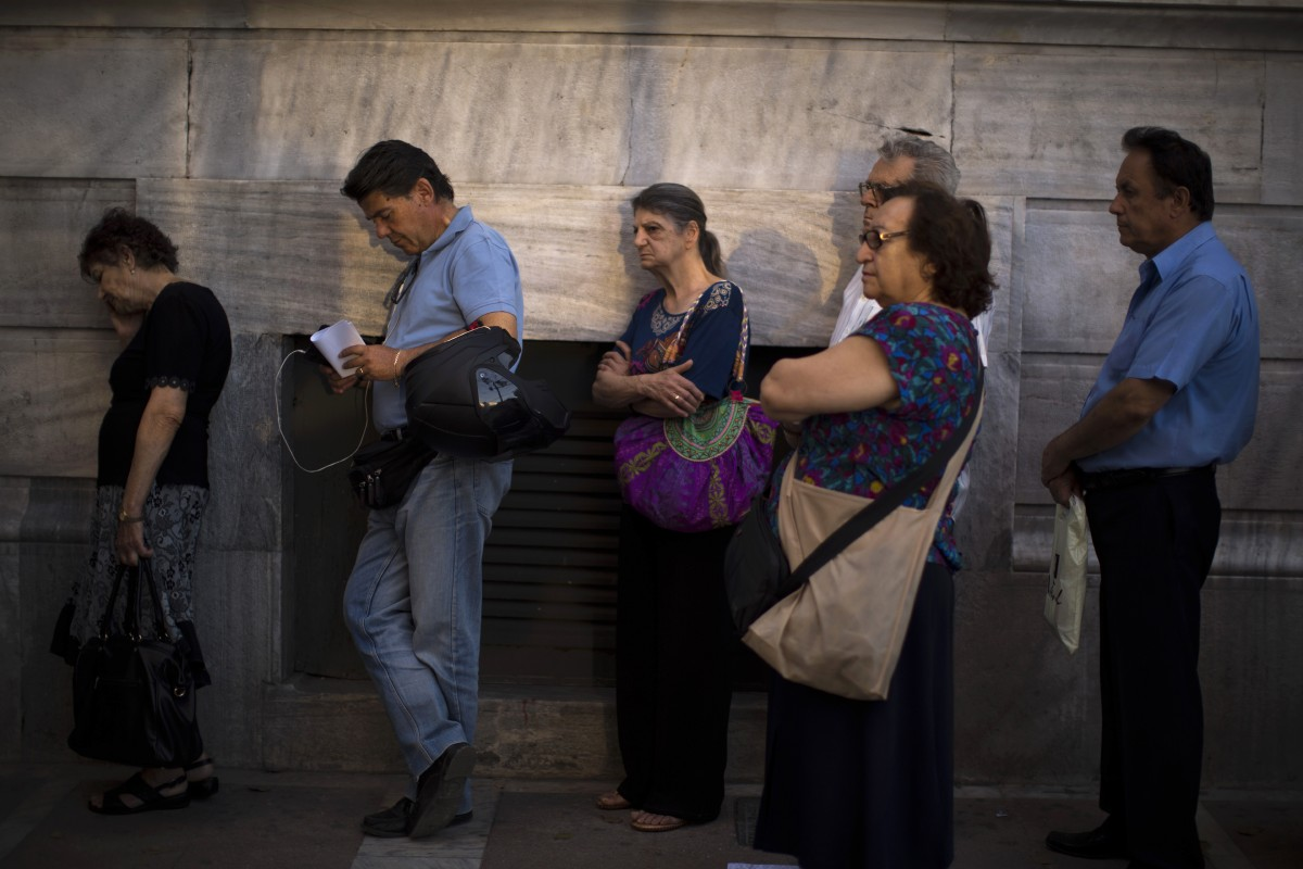 Greece: Poll shows 2 sides neck and neck before referendum ...