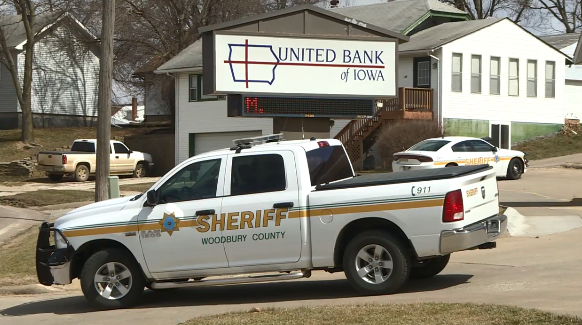 LATEST: Suspect caught after crash, investigation continues in Moville bank robbery