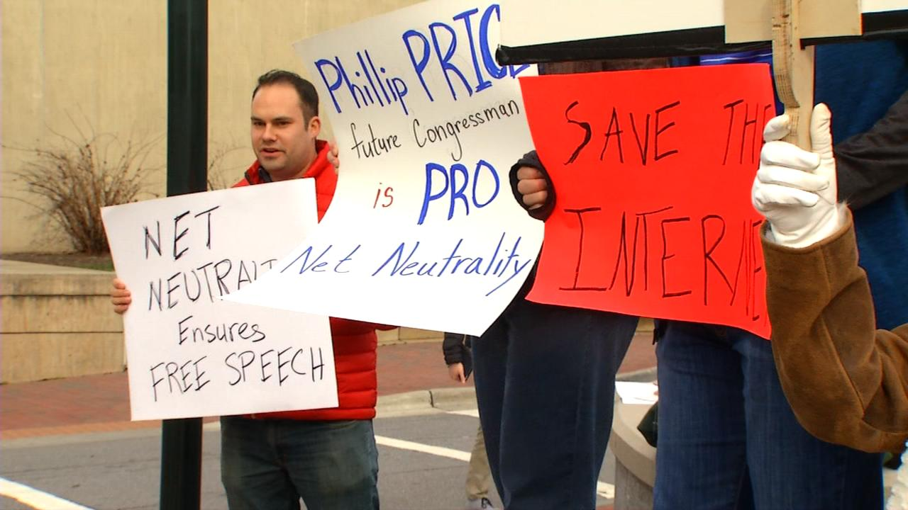 Net Neutrality protest in North Carolina. (WLOS)