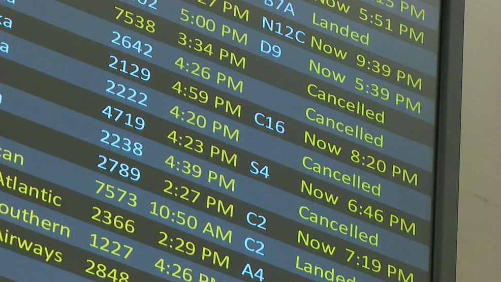 Unique snowy weather setup leads to lengthy delays at Sea-Tac Airport