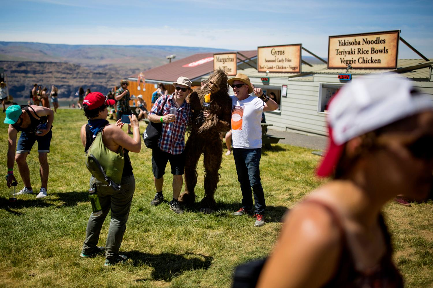 Another day down at the annual Sasquatch! Music Festival with a killer acts by Modest Mouse, Spoon, and Grizzly Bear. The three-day festival runs throughout the Memorial Day Weekend, from May 25-27, 2018. (Sy Bean / Seattle Refined)