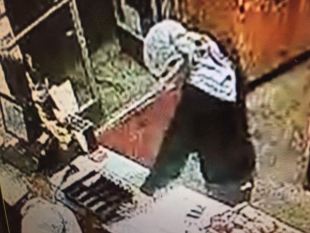 Suspect photo from robbery of Noti Market, Sept. 18, 2017. (Image via Lane County Sheriff's Office)