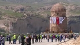 1100-ton tomb transported in one piece
