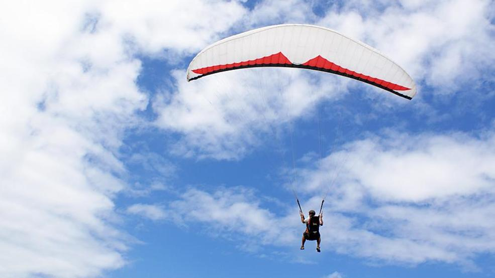 Good Samaritans save a severely injured paraglider at McBee Hill   KEPR