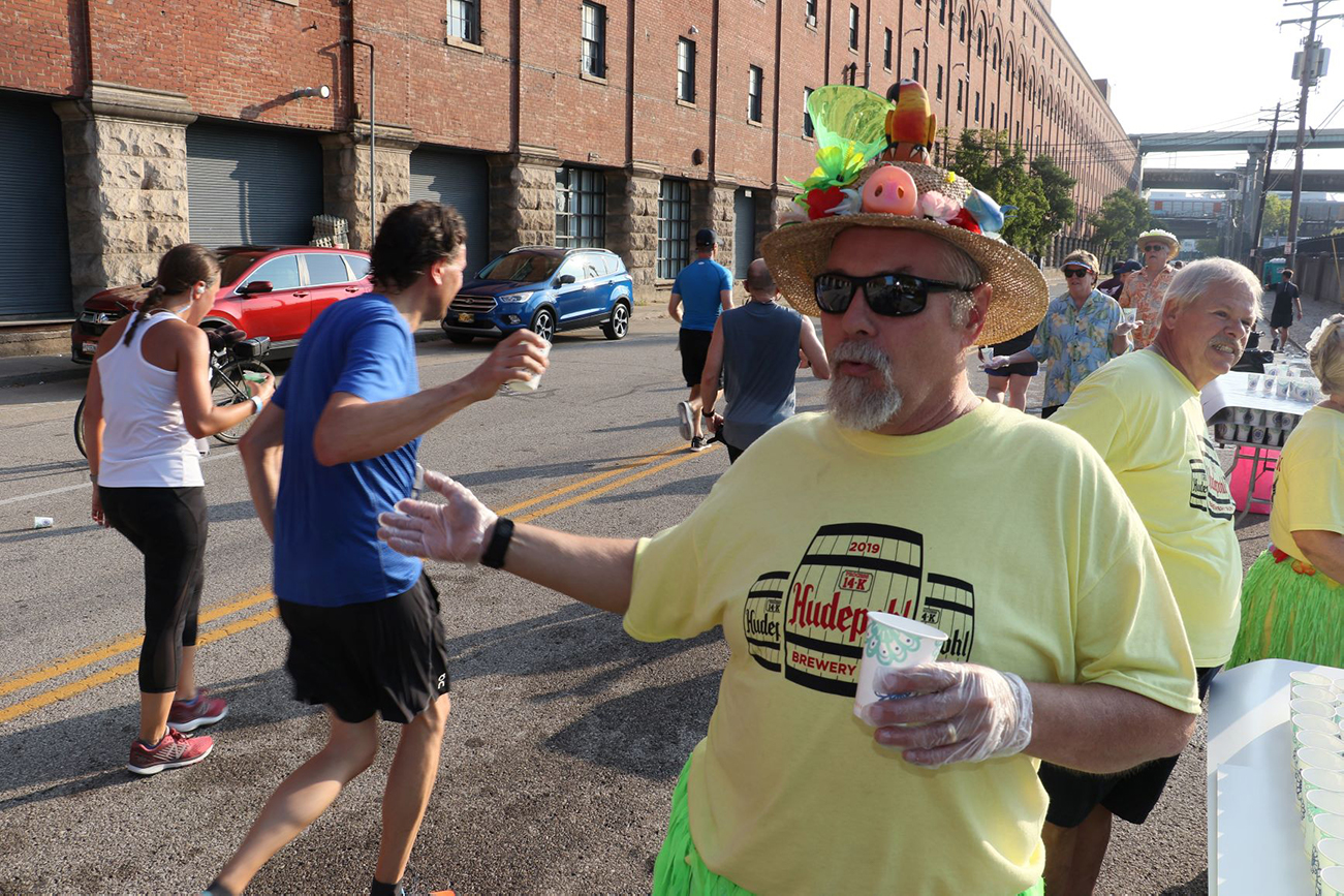The TQL Beer Series start and end at the riverfront and wind through Cincinnati's historic brewery sites. / WEBSITE: raceroster.com/series/2020/26268/2020-tql-beer-series / Image: Tom Uhlman via the Flying Pig Marathon // Published: 4.7.20