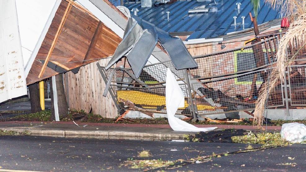 Update Tornado Hit San Antonio Neighborhood Overnight Kabb