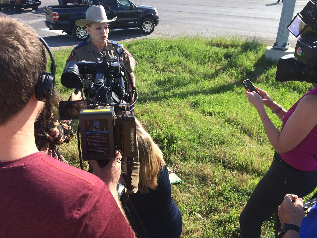 DPS Trooper Robbie Barrera giving an update on the crash. (KEYE TV)