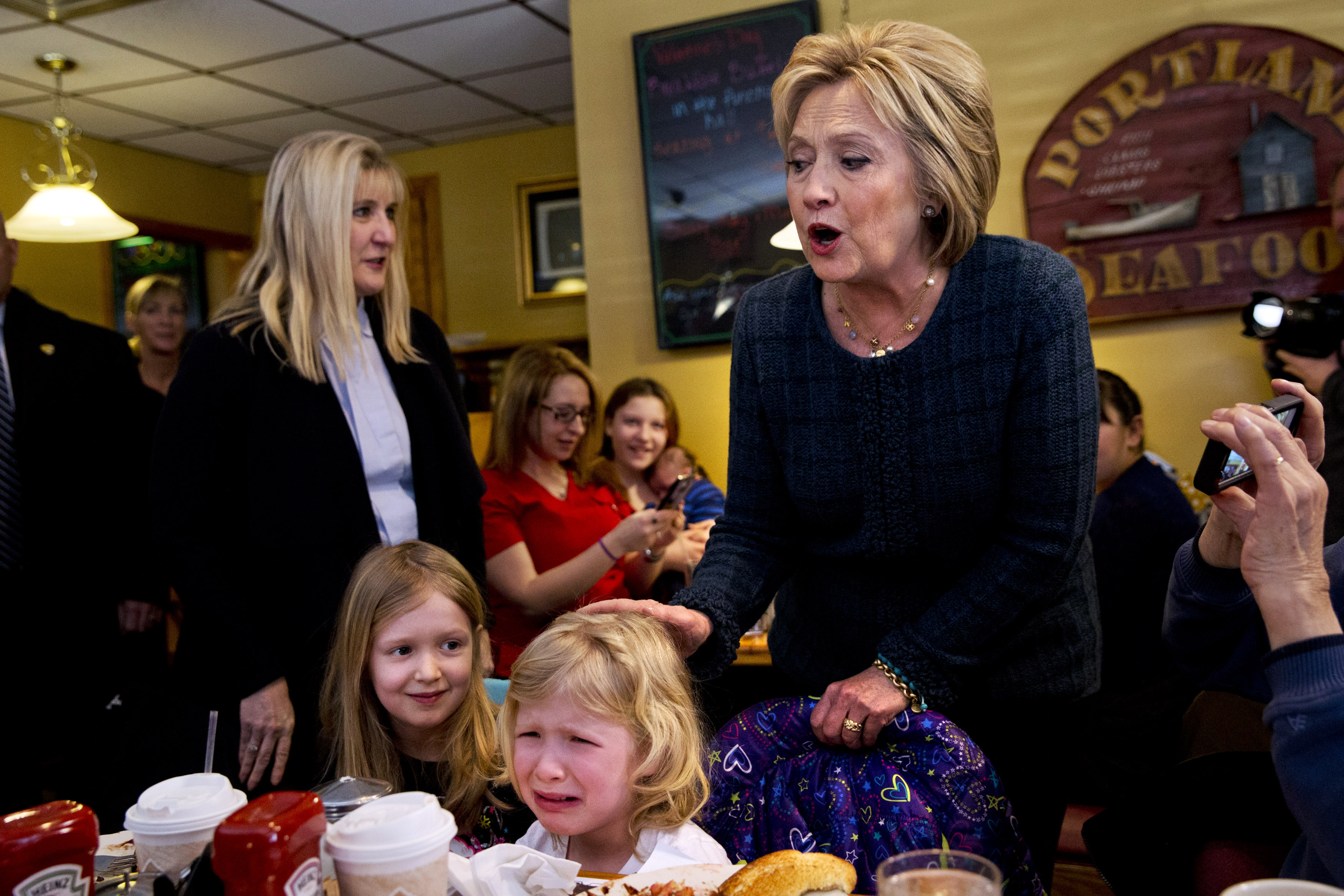In New Hampshire: Clinton talks Benghazi, Bush vows to ...