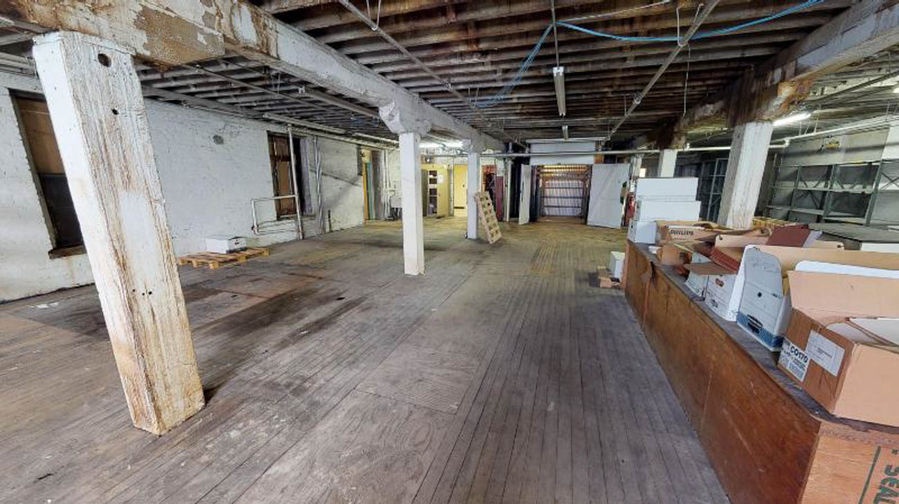 The former John R. Green building in Covington is being transformed into a mix of offices, luxury apartments, and retail. The Oval Room Group recently completed a series of virtual renovations which show how the space could look, even before any construction takes place. / Image courtesy of Oval Room Group // Published: 9.17.19