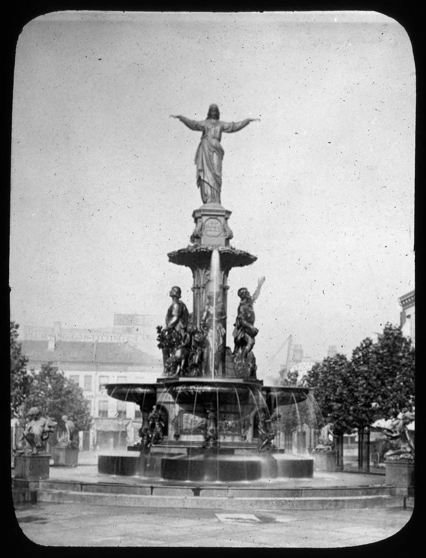 Tyler-Davidson Fountain / DATE: Unknown / COLLECTION: Public Library of Cincinnati and Hamilton County, Joseph S. Stern, Jr. Cincinnati Room / Image courtesy of the digital archive of The Public Library of Cincinnati and Hamilton County // Published: 4.4.18