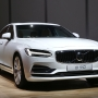 Volvo recalls 127K vehicles; leak can stop air bags from working