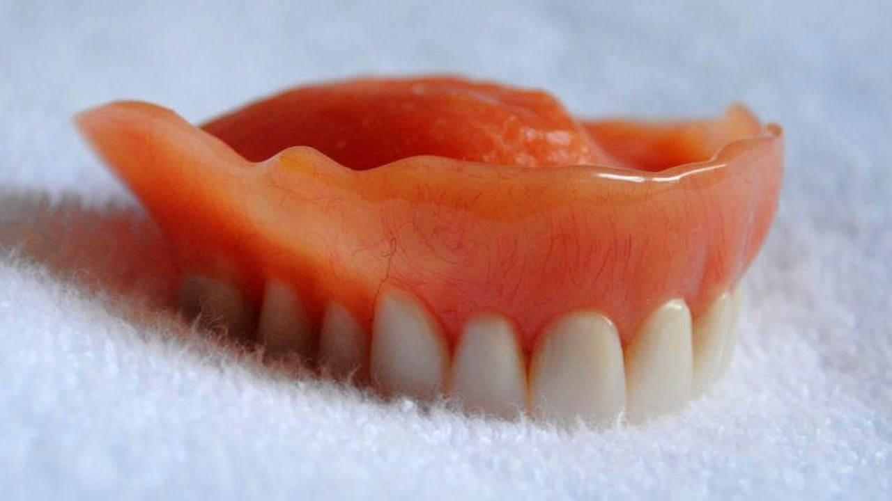 FILE - Dentures. (Kathy McGraw/CC BY 2.0)