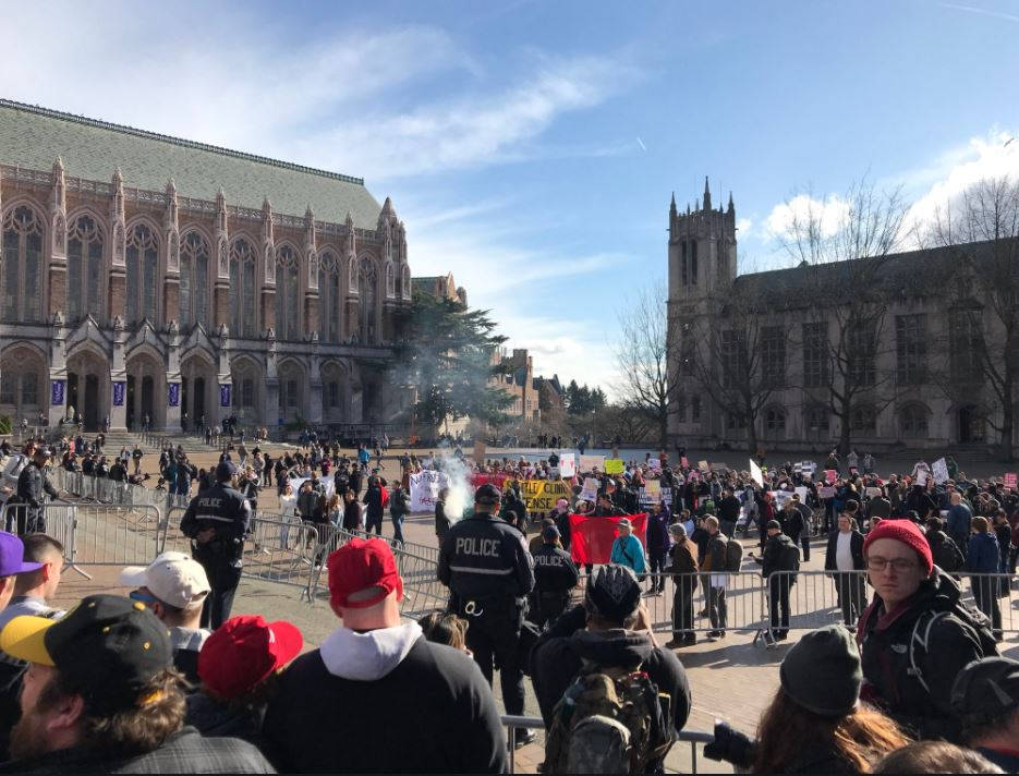 Protesters were facing off at the University of Washington's Red Square. (Photo: KOMO News)<p></p>