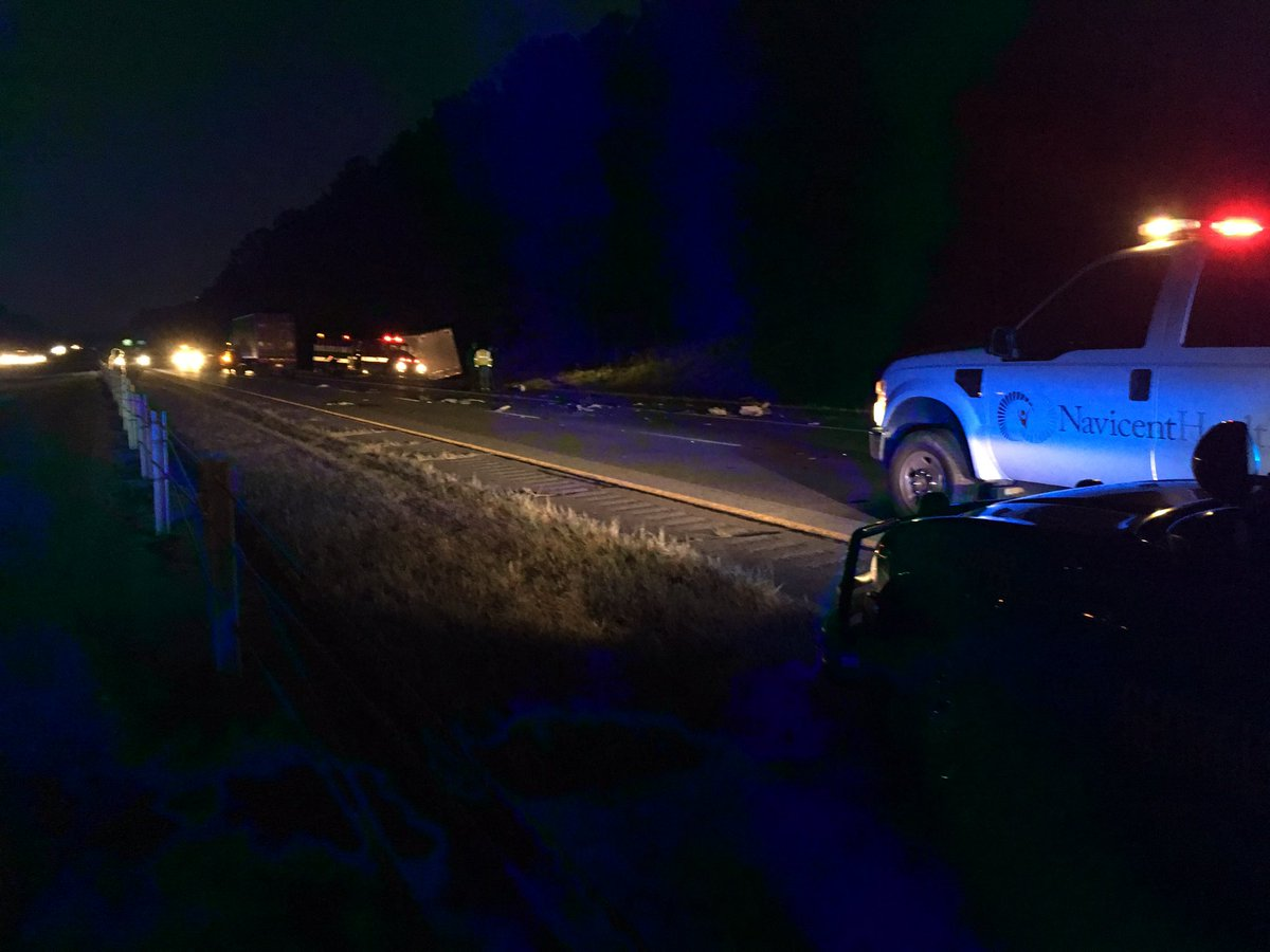 {&amp;nbsp;}An early Wednesday morning traffic accident in Twiggs County now leaves a truck driver dead and two other people hurt. / Eric Mock (WGXA){&amp;nbsp;}<p></p>