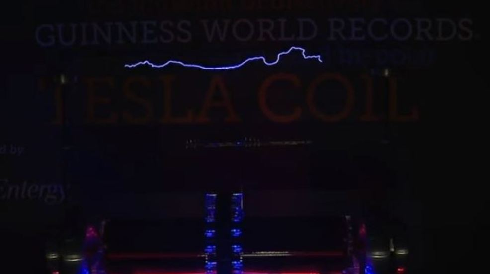 """""""Shock the Rock"""" event brings world's largest Tesla coil to Little Rock"""