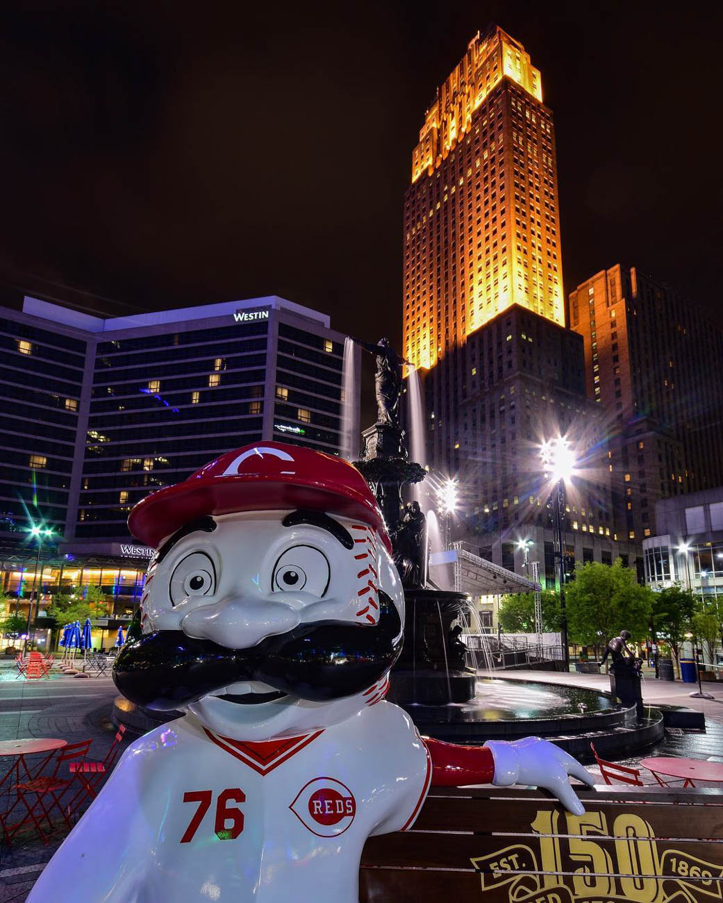 Mr. Redlegs only adds to the beauty of Downtown's nightlife. / Location: Fountain Square / Uniform: 1976 / Image courtesy of Instagram user @mightymurray    // Published: 5.14.19{ }